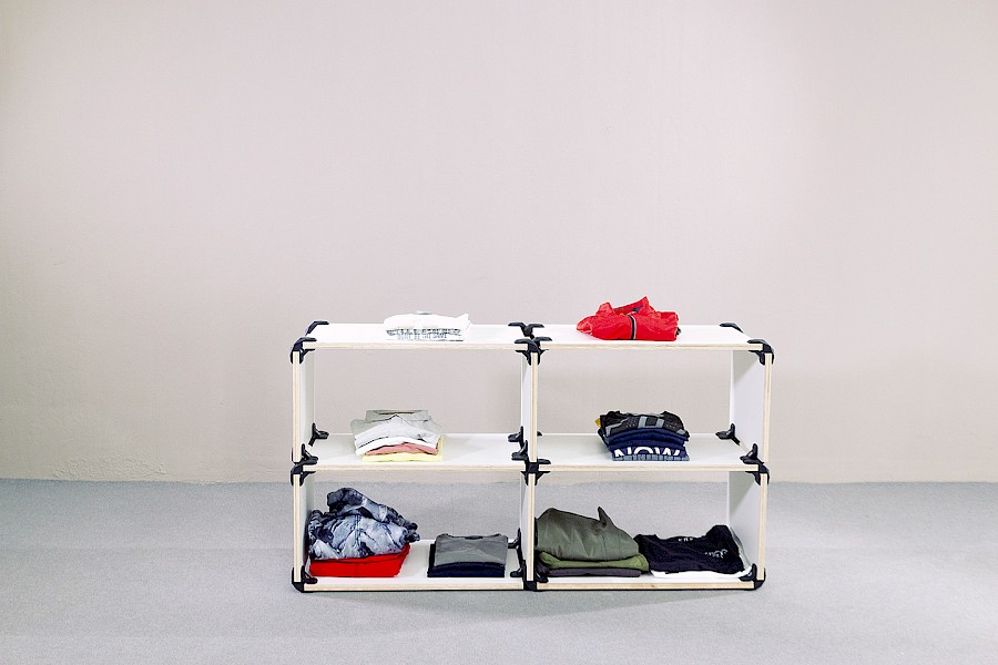 Pop-up shop modular shelves